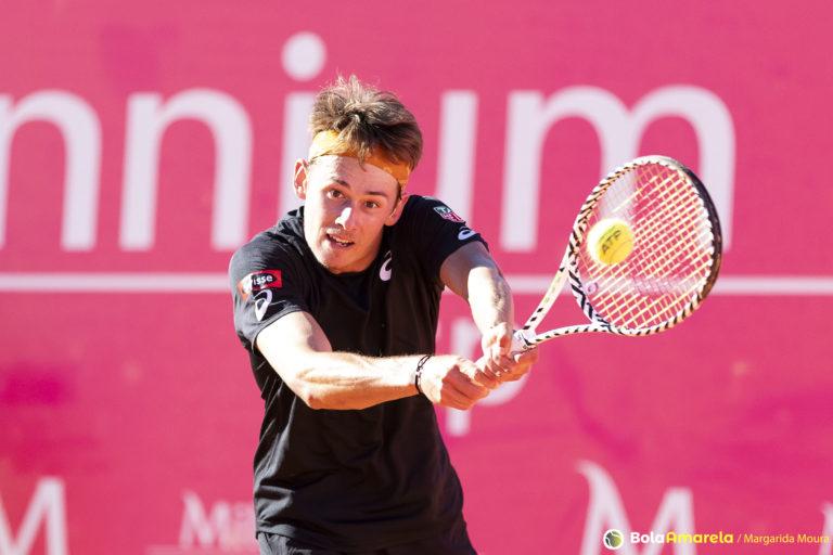 De Minaur: «Posso garantir que todos os tenistas querem voltar a jogar»