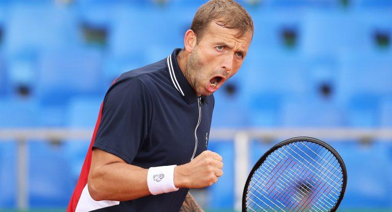 Evans despacha Hurkacz e encara Djokovic em Monte Carlo