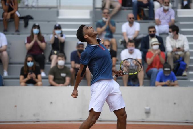 Franceses respiram: final de juniores de Roland Garros é entre dois tenistas da casa