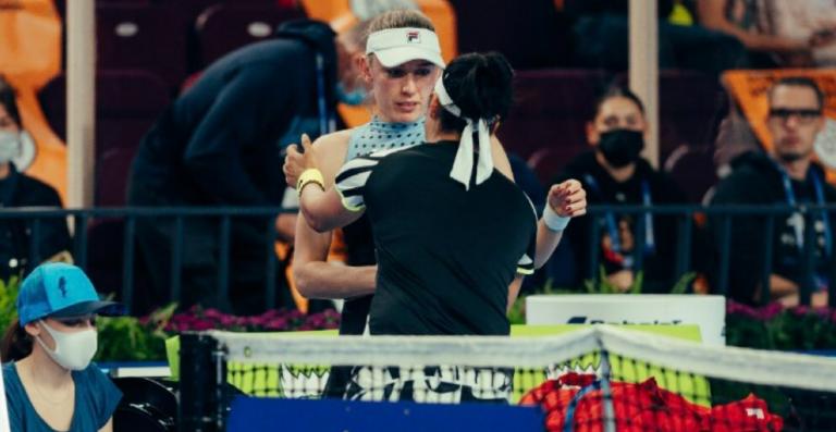 Jabeur desiste em Moscovo e reacende luta pelas WTA Finals com três candidatas à espreita